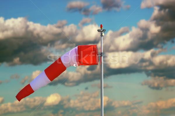 Orageux ciel aéroport plein nuages signe Photo stock © taviphoto