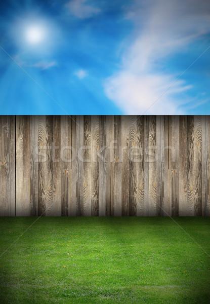 Udvar kerítés zöld tőzeg gyönyörű természetes Stock fotó © taviphoto