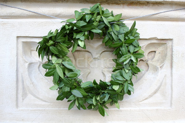 Zdjęcia stock: Korony · pozostawia · nagrobek · zielone · liście · świętować · zielone