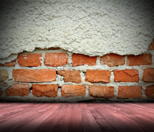 Dentro ver abandonado casa rachado parede de tijolos Foto stock © taviphoto