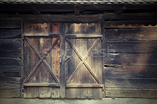 Vieux porte traditionnel roumain chalet bois Photo stock © taviphoto