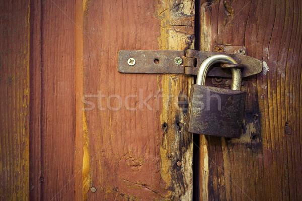 Metaliczny blokady starych drzwi wyblakły Zdjęcia stock © taviphoto