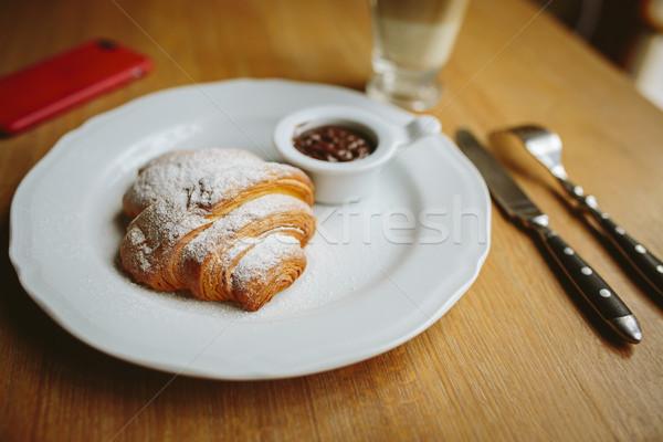 Rogalik czekolady sztućce miłości nóż widelec Zdjęcia stock © tekso