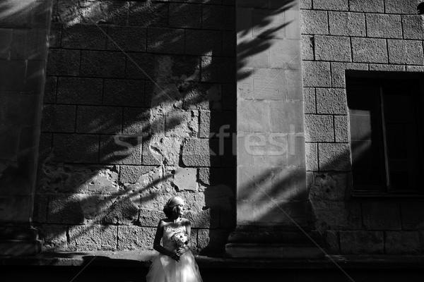 Gelin poz taş duvar genç güzel kadın Stok fotoğraf © tekso