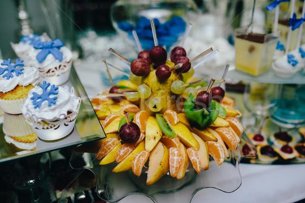 Bufê fruta tropical casamento banquete festa maçã Foto stock © tekso