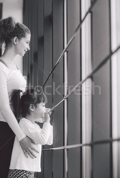 два девочек окна очаровательный семьи время Сток-фото © tekso