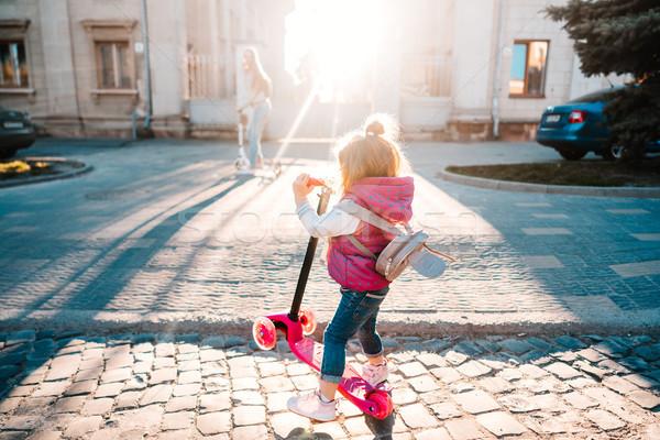 Meisje blond haar straat mode kind Stockfoto © tekso