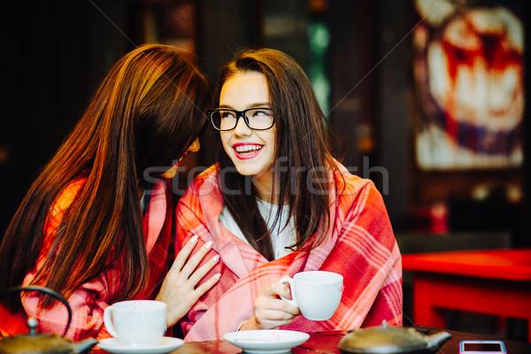 Foto stock: Dois · jovem · belo · meninas · terraço