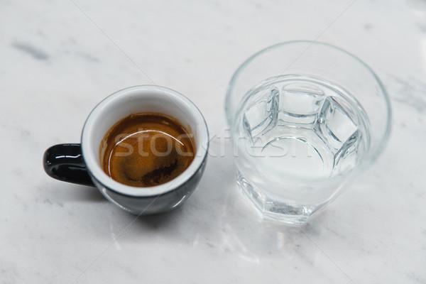 Stok fotoğraf: Fincan · kahve · cam · su · tablo · ışık