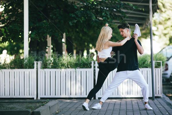 Homem mulher dança parque câmera dançar Foto stock © tekso