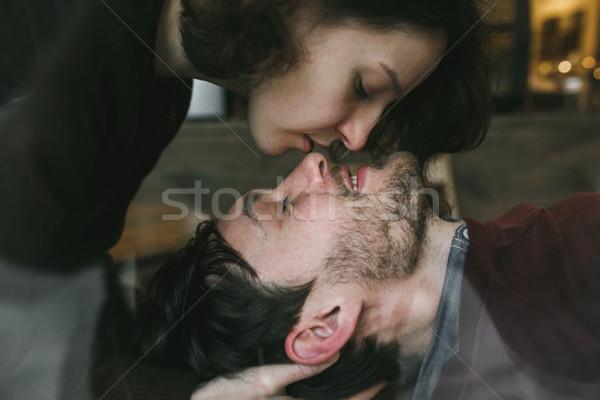 Menina beijo namorado vintage casal risonho Foto stock © tekso