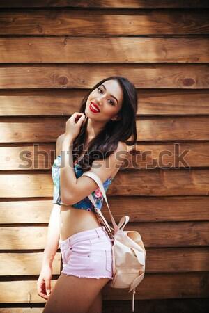 Güzel kız kamera şehir şehir sokak kız kadın Stok fotoğraf © tekso