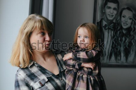 Grootmoeder cute kleindochter familie meisje gezicht Stockfoto © tekso