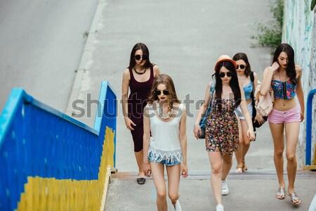 Beş güzel genç kızlar poz Stok fotoğraf © tekso