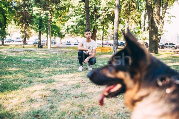 собака Постоянный парка тесные мнение владелец Сток-фото © tekso