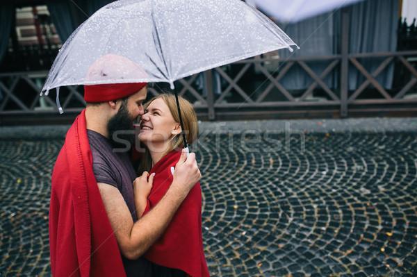 Foto stock: Cara · menina · guarda-chuva · posando · juntos · chuva