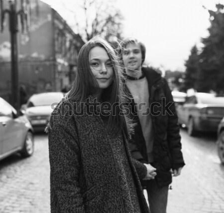 человека женщину , держась за руки стороны городской улице Сток-фото © tekso
