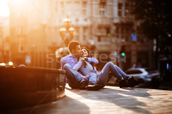 Pareja diversión ciudad jóvenes hermosa caminando Foto stock © tekso