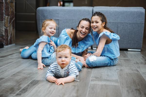 Anya kettő kicsi fiú padló boldog Stock fotó © tekso