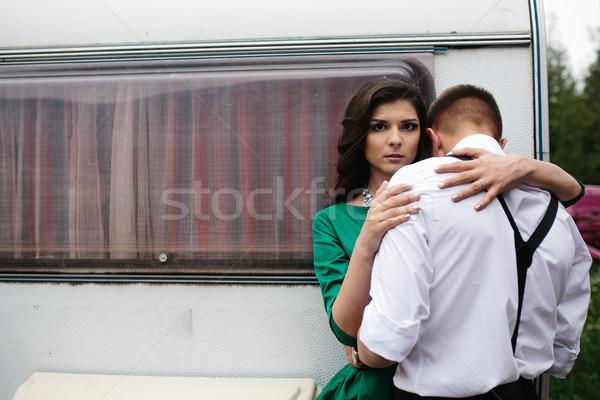 Adam kadın gizlenmiş görmek arkasında karavan parkı Stok fotoğraf © tekso