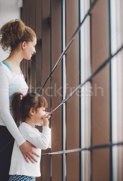 Famiglia tempo palestra due ragazze Foto d'archivio © tekso