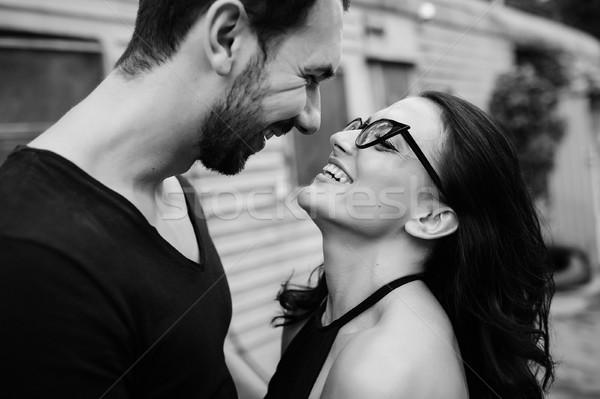 Adam kız silah adam kadın poz Stok fotoğraf © tekso