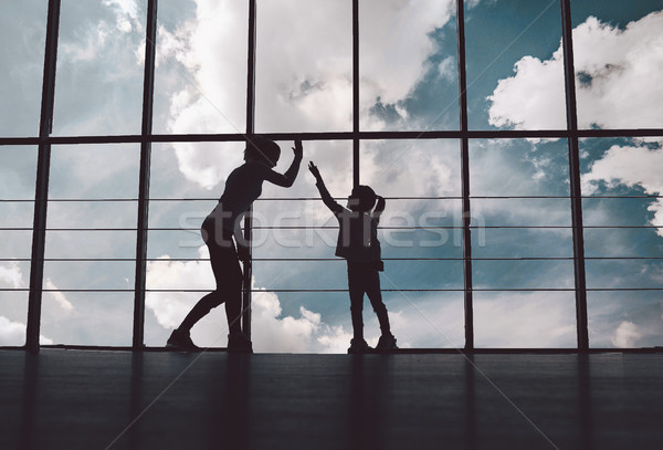 Siluet anne kız spor salonu aile Stok fotoğraf © tekso