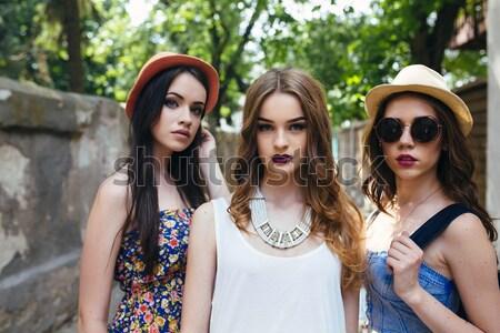 Zdjęcia stock: Pięć · piękna · młodych · dziewcząt · suknie · stwarzające