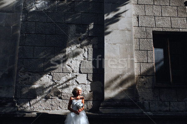 Gelin poz taş duvar genç güzel aile Stok fotoğraf © tekso