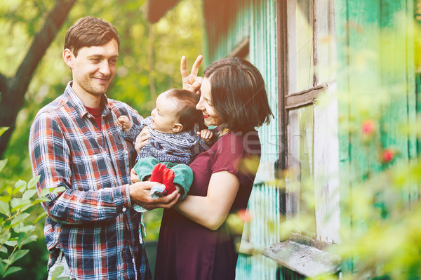 Jonge familie kind natuur poseren verlaten Stockfoto © tekso