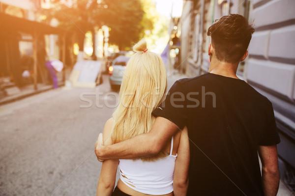 çift yürüyüş sokak güzel kadın Stok fotoğraf © tekso