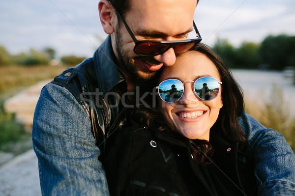 Adam kız arkadaş güzel kucaklamak Stok fotoğraf © tekso