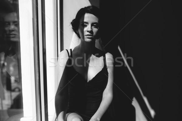 Noiva olhando janela manhã sessão Foto stock © tekso