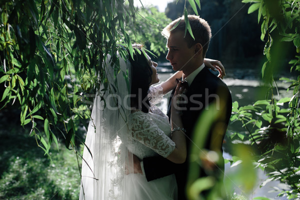 Mooie bruiloft paar park camera Stockfoto © tekso