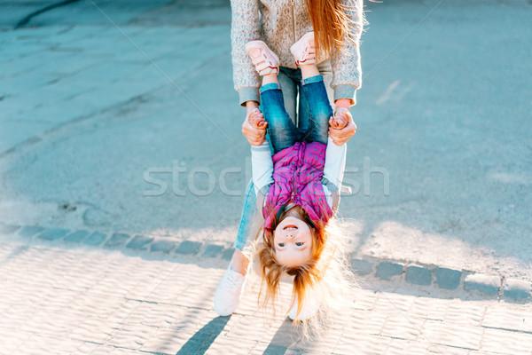 Moeder meisje spelen jonge vrolijk Stockfoto © tekso