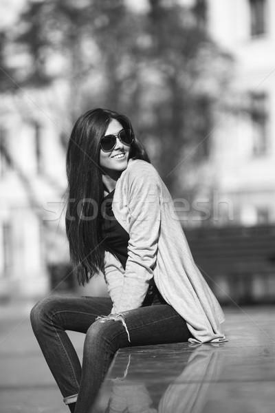 Kız şehir genç kız poz kadın sokak Stok fotoğraf © tekso
