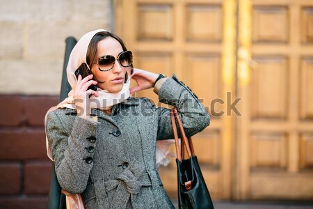 Kız kat sokak güzel kız sms instagram Stok fotoğraf © tekso
