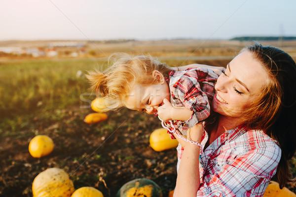 матери играет дочь области Хэллоуин Сток-фото © tekso