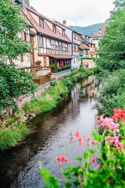 伝統的な 住宅 川 花 建物 夏 ストックフォト © tepic