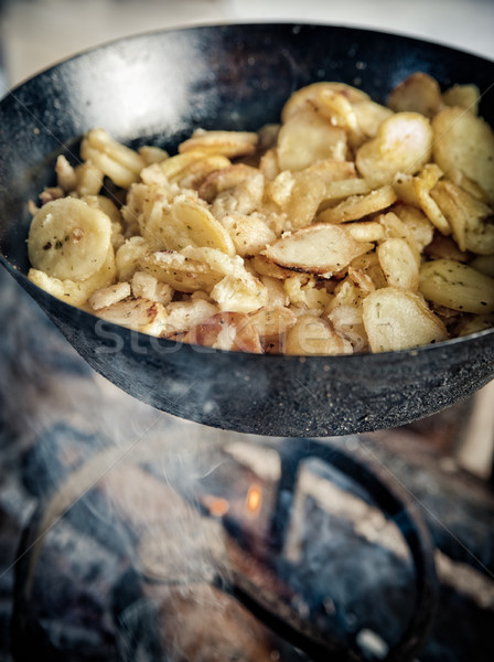 Gietijzer open vuur diner koken Stockfoto © tepic