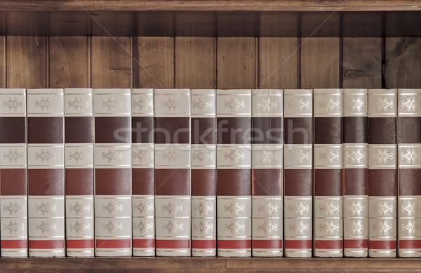 книгах коллекция старые сидят красивой Сток-фото © thisboy