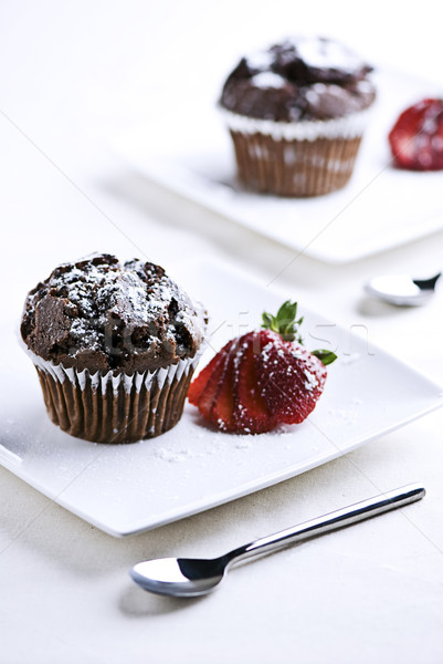 Stock fotó: Csokoládé · muffinok · eprek · tányérok · torta · étterem