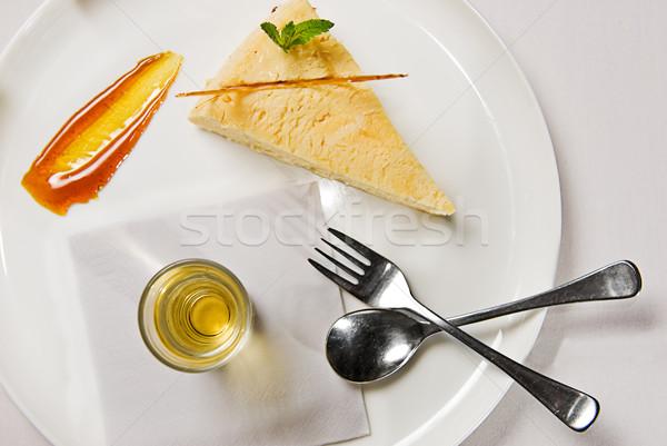 Foto d'archivio: Cheesecake · fetta · servito · sciroppo · dessert