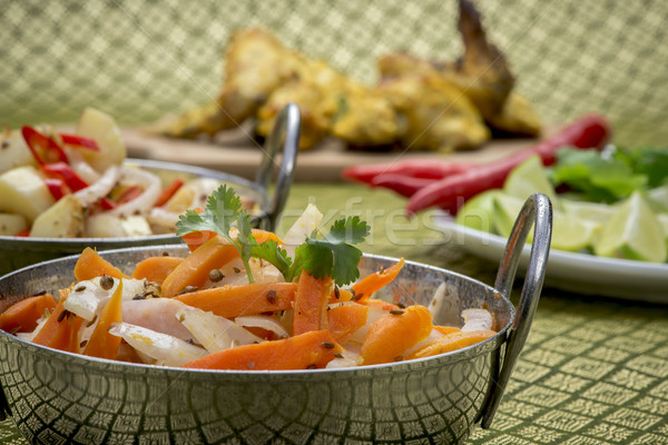 Indian poulet bols salade garnir chaux Photo stock © thisboy