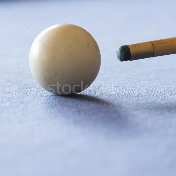 Mesa de bilhar piscina branco bola raso foco Foto stock © THP