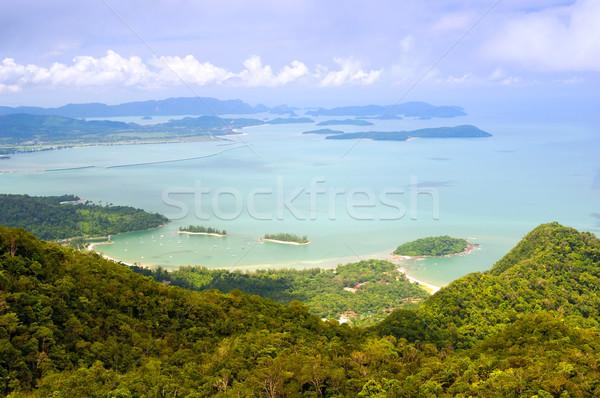 Trópusi szigetek kilátás magas tengerpart nyár Stock fotó © THP