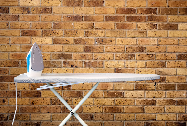 Conselho estilo retro ferro parede de tijolos fundo Foto stock © THP