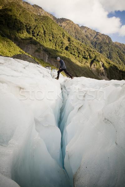 Jég férfi keresztek mély fény utazás Stock fotó © THP