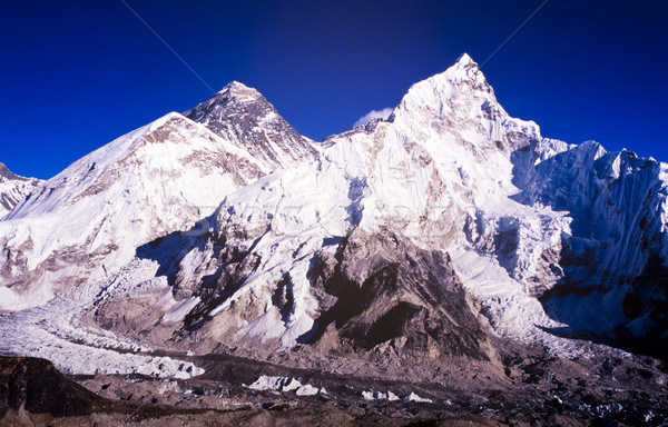 Monte Everest blue sky Nepal himalaia montanha alcance Foto stock © THP