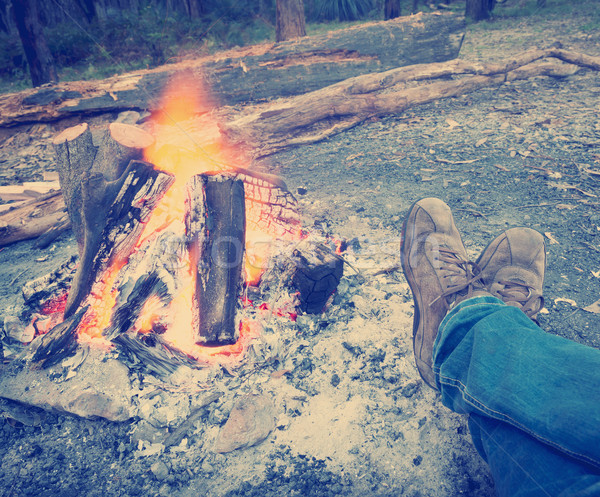 Ayaklar kamp ateşi instagram stil kişi akşam karanlığı Stok fotoğraf © THP